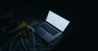 インターネット依存症によって起こる怖い症状とその種類